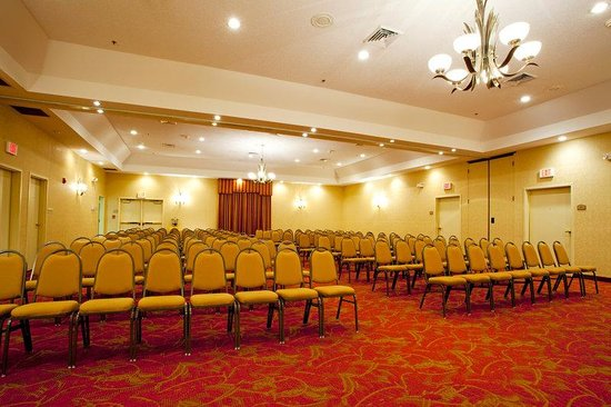 Holiday Inn Express Savannah I-95 North: Spacious well equipped meeting and banquet facility.