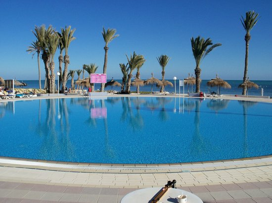 piscine bord de mer photo de midoun djerba island tripadvisor. Black Bedroom Furniture Sets. Home Design Ideas