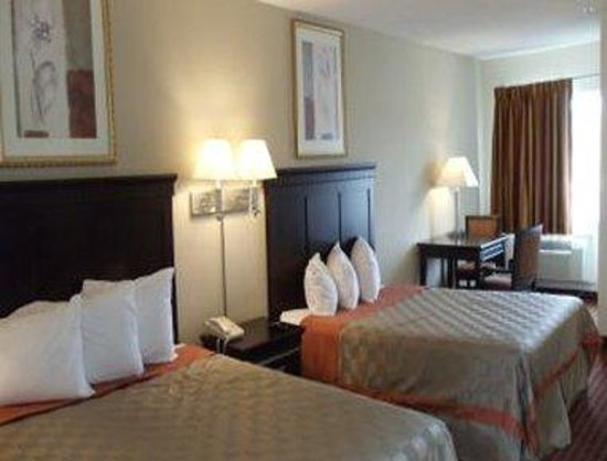 Days Inn and Suites Rancho Cordova: 2 Queen Bed Room