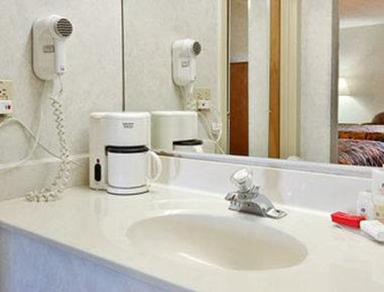 Days Inn Perryville: Bathroom