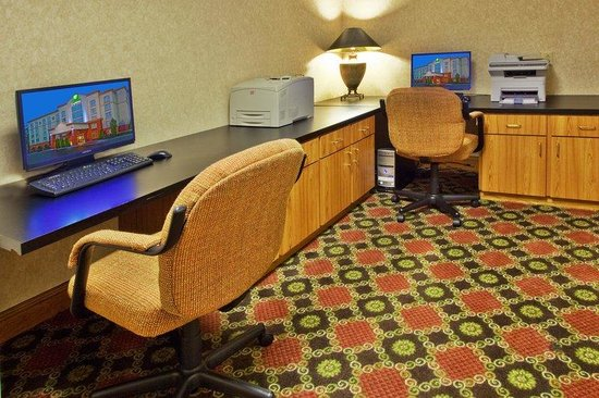 Holiday Inn Express Marietta-Atlanta Northwest: Our business center is ready for all of your needs.