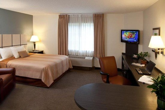 Candlewood Suites Chicago Waukegan: Studio Suite