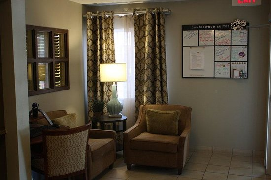 Candlewood Suites Phoenix: Hotel Lobby