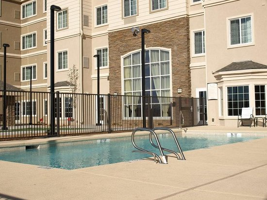 Staybridge Suites Albuquerque - Airport: Outdoor Heated Pool and Hot Tub