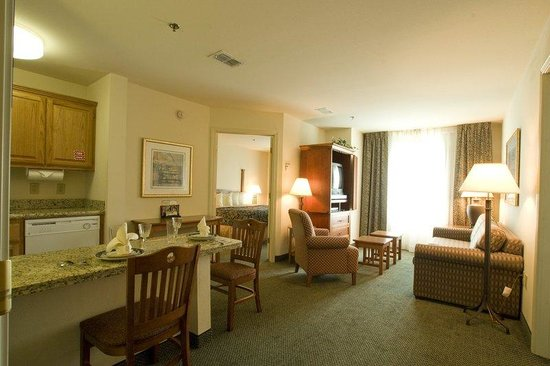 Staybridge Suites Brownsville: Suite