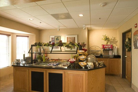 Staybridge Suites Brownsville: Breakfast Bar