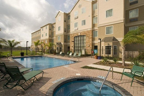 Staybridge Suites Brownsville: Swimming Pool