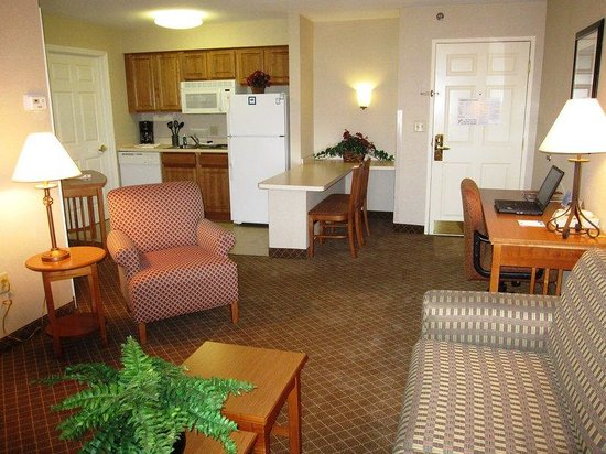 Staybridge Suites Columbus Airport: Double Bed Guest Room