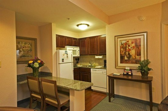 Staybridge Suites Wilmington - Brandywine Valley: Enjoy your own Home Cooking with a Full Kitchen
