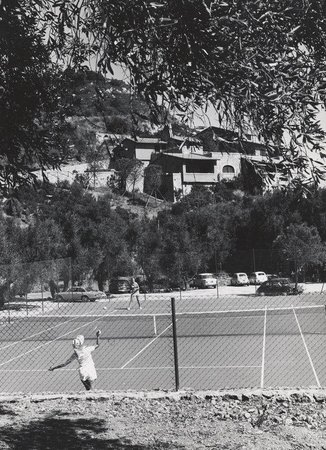 Il Pellicano: Tennis Court