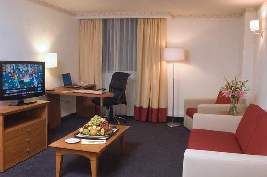 Holiday Inn Mexico City Tlalpan Churubusco: Guest Room 2