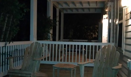 Tranquility Bay Beach House Resort: Porch from 3 bedroom townhome