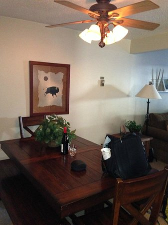 Timber Run Condominiums:                   Dining Area