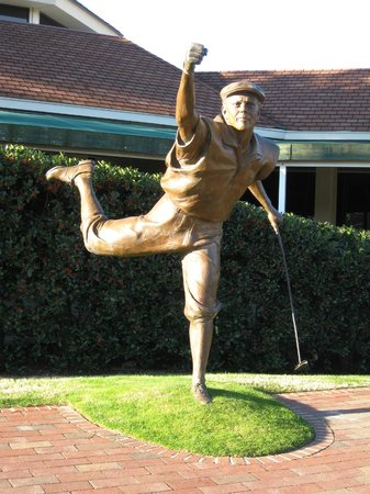 The Carolina - Pinehurst Resort:                   The Payne Stewart sculpture capturing his exuberance upon sinking the winning