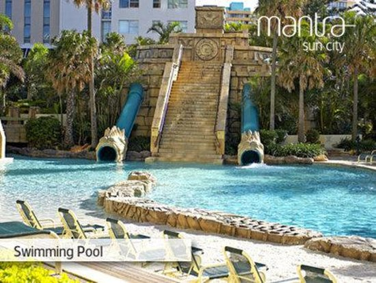 Mantra Sun City: Swimming Pool