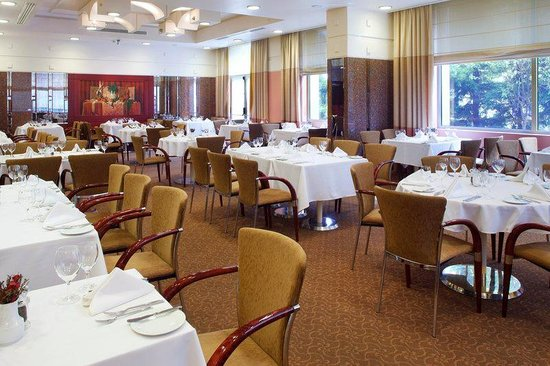 Holiday Inn Athens Attica Avenue Airport West: Restaurant