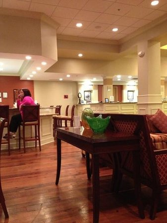 Hilton Garden Inn Savannah Midtown:                   Nice Place