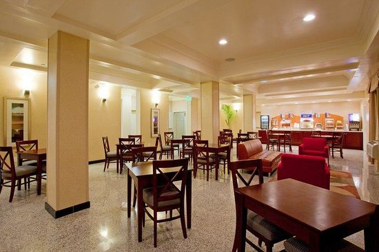 Hawthorne, Kalifornia: LAX Holiday Inn EXpress &amp; Suites Breakfast Area