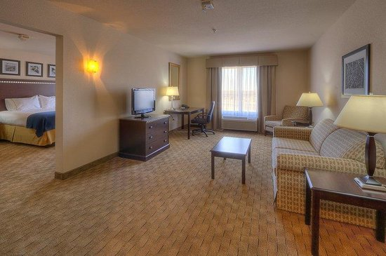 Holiday Inn Express &amp; Suites Albuquerque Old Town: Two Room Suite
