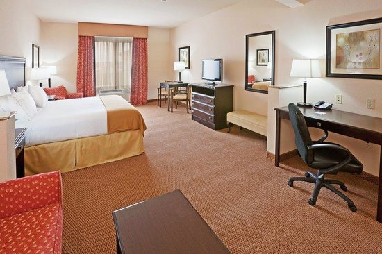 Holiday Inn Express Hotel & Suites Altus: King Bed Guest Room