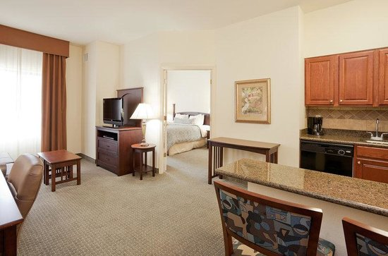 Staybridge Suites Gulf Shores: One Bedroom Suite Kitchen & Living Area