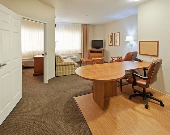 Candlewood Suites Turlock: Candlewoood Suites Turlock California One Bedroom Studio Suite