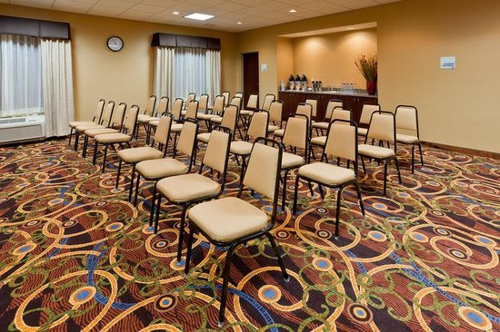 Holiday Inn Express Hotel & Suites White Haven - Lake Harmony: We can configure our room to your special needs.