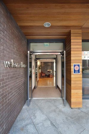 Entrance to Staybridge Suites Newcastle