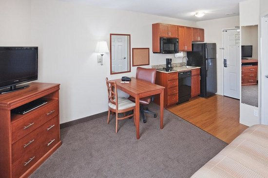 Candlewood Suites Ardmore: Executive Work Space