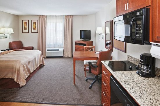 Candlewood Suites Ardmore: Kitchen Area