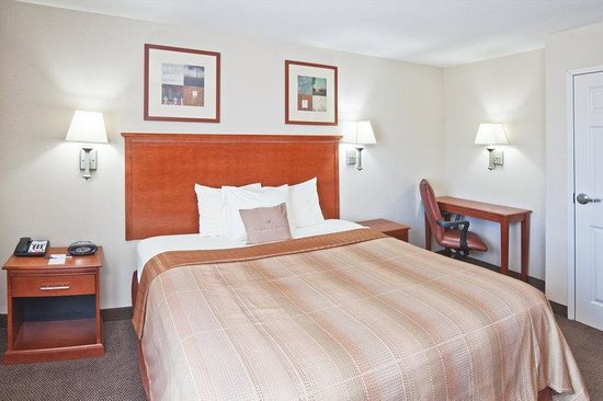 Candlewood Suites Ardmore: One Queen Bed Guest Room