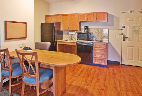 Candlewood Suites Athens-GA: Candlewood Suites Athens GA 1 Bedrm Ste Kitchen area