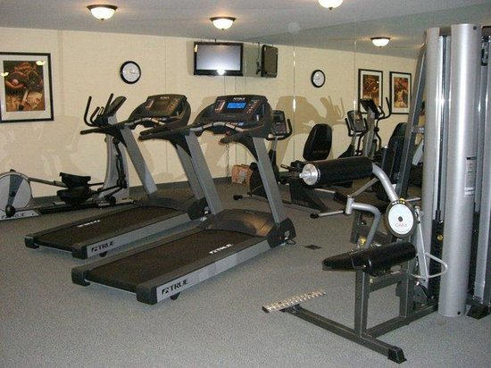 Candlewood Suites Louisville North: Perfect place to work off some stress