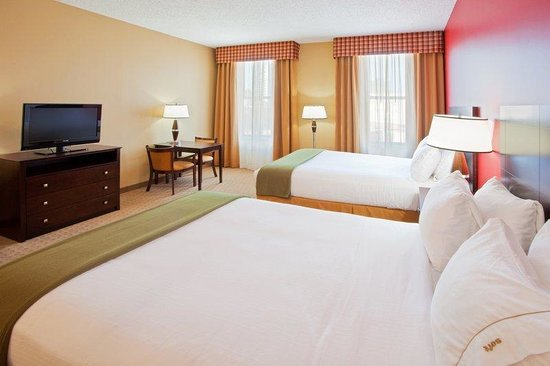 Holiday Inn Express Baltimore-Downtown: Spacious and comfortable rooms fully equiped to meet all you needs
