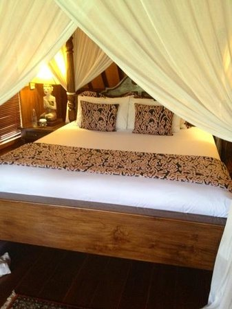Warwick Ibah Luxury Villas &amp; Spa:                   bedroom