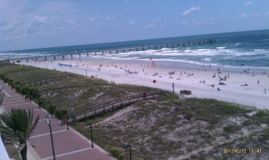 Quality Suites Oceanfront: View from balcony