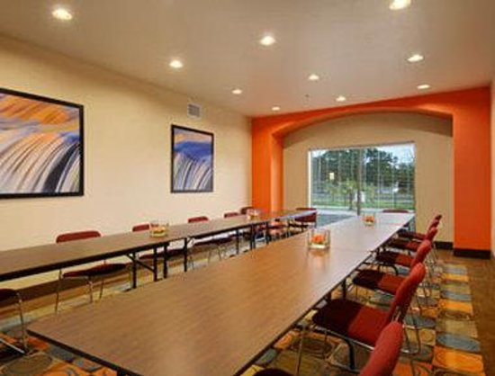 Days Inn & Suites Marquez: Meeting Room