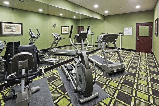 Holiday Inn Express &amp; Suites Brady: Fitness Center