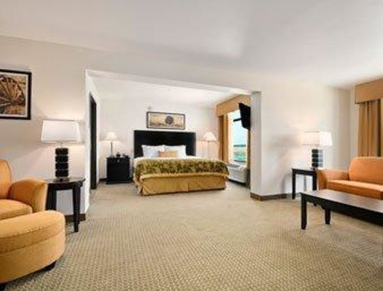 Wingate by Wyndham - Frisco: Suite