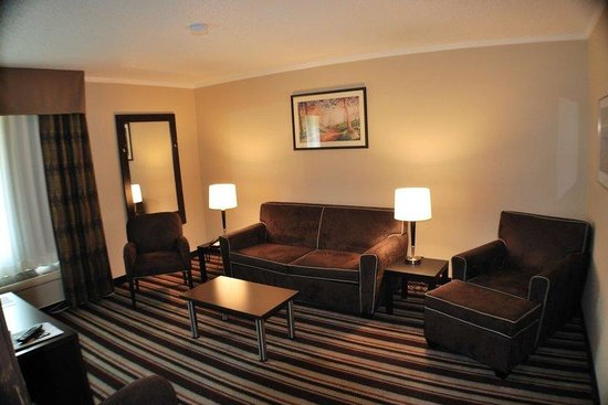 Holiday Inn Express Nashville W-I40 / Whitebridge Road: 2 Room Executive Room