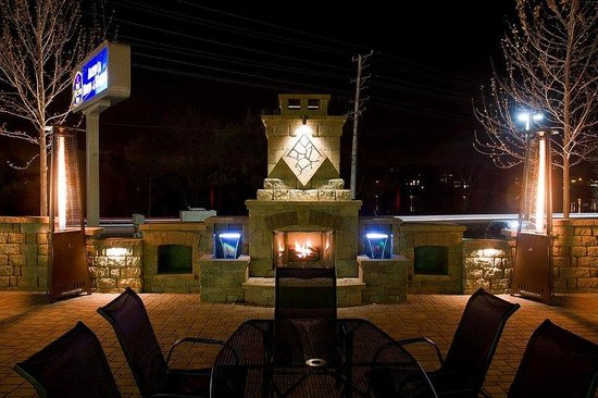 ‪‪Antioch‬, إلينوي: Fox's Outdoor Heated Patio‬