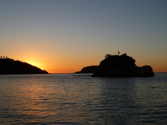 Dreams Huatulco Resort & Spa:                   Sunrise at Dreams Huatulco