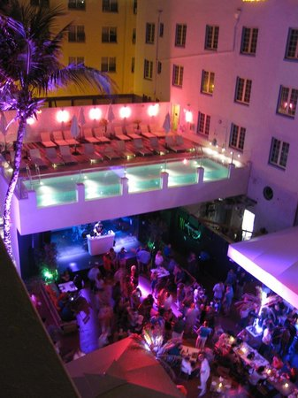 Hotel Breakwater South Beach:                   Our view from the VIP Penthouse Suite at 4am.