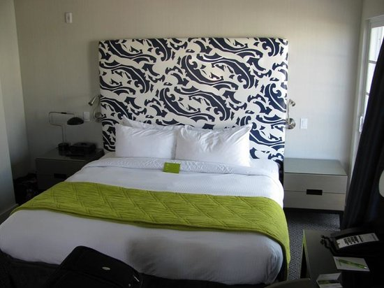 Hotel Breakwater South Beach:                   Bed in the VIP Penthouse Suite