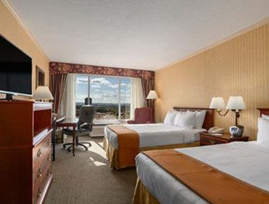 Ramada Plaza Hartford Hotel: Standard Two Double Bed Room