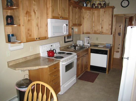 Bay Point on the Lake:                   View of kitchen