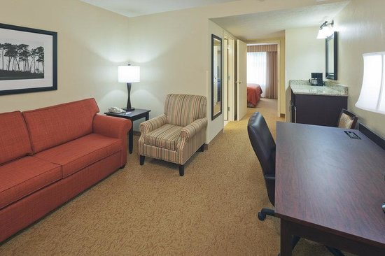 CountryInn&Suites Dover Suite