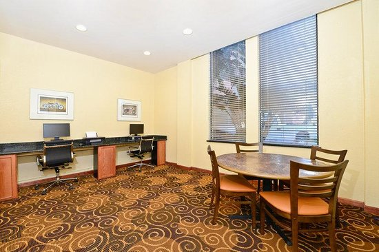 Lexington Inn &amp; Suites: Business Center