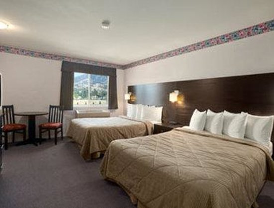 Super 8 West Kelowna: New Deluxe Double Queen