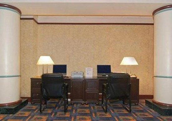 Comfort Inn Maingate: Business center